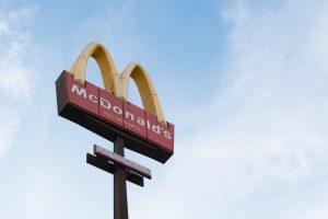 Taper: 3 Energy Tips for Quick Serve Restaurants - McDonalds sign